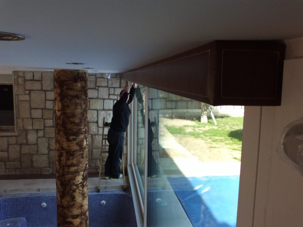 Instalación de estores enrollables en vivienda particular