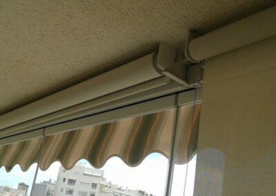 Estores enrollables para cortina de cristal
