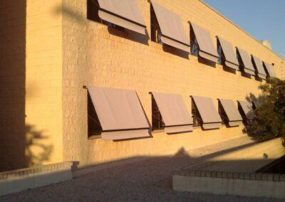 Toldos Elche motorizados en Instituto Cayetano Sempere